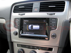 Volkswagen-Golf-Estate-Parking-Sensors-with-Visual-Display-8