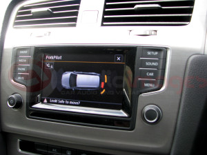 Volkswagen-Golf-Estate-Parking-Sensors-with-Visual-Display-9